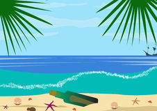 Kust- och havsvågor En flaska med en anmärkning på kusten och snäckskalen Royaltyfria Foton