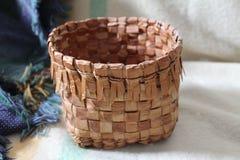 Kust- Salish Cedar Root korg 2 Arkivbild