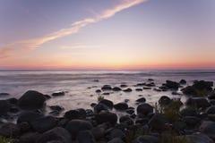 Kust schemeringscène. Zuidelijk van Zweden. Royalty-vrije Stock Foto