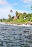 Kust- sikter av en tropisk karibisk ö Royaltyfria Bilder
