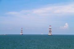 Kust- stad på havet royaltyfria foton