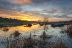 Kust van de de lenterivier met zonsopgangmening stock afbeelding