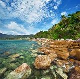 Kust van de tropische oceaan - Thailand Royalty-vrije Stock Foto's