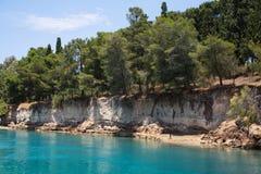 Kust van het Kanaal van Corinth in Griekenland Stock Foto's