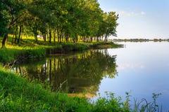 Kust van het meer Stock Foto's