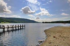 Kust van het Water en de pier van Coniston Royalty-vrije Stock Foto's