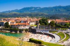 Kust van Llanes in de zomerdag asturias Stock Afbeeldingen