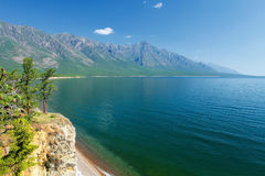 Kust van Noordelijk Baikal Stock Foto's