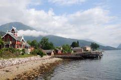 Kust van Sognefjord in Balestrand Royalty-vrije Stock Fotografie