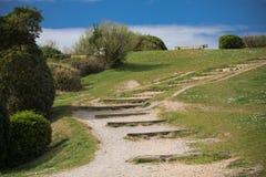 Kust- vandringsled i sceniskt grönt landskap i bidart, Frankrike Arkivbilder