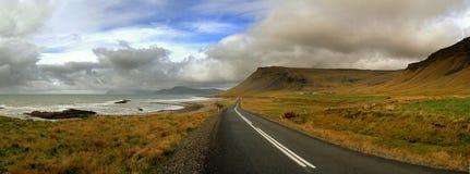 Kust weg in IJsland Royalty-vrije Stock Afbeeldingen