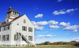 Kustbevakning Building, Eastham, Massachusetts Royaltyfri Fotografi