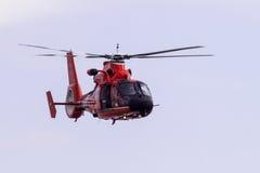 Kustbevakning Helicopter Arkivfoton