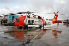 kustbevakninghelikoptern räddar oss Arkivfoton