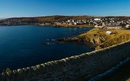 Kusten av Lerwick, huvudstad av Shetland öar Royaltyfri Bild