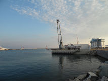 Kusten av Sochi, hamnstaden och yachtmarina Royaltyfri Bild