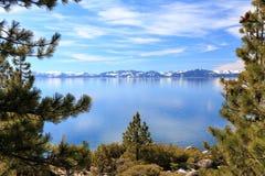 Kusten van Meer Tahoe stock afbeelding
