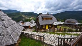Kustendorf ethno-деревня в форме и структуре города стоковая фотография rf