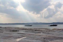 Kuster av sjön Garda Fotografering för Bildbyråer