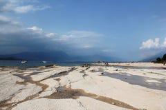 Kuster av sjön Garda Arkivfoto