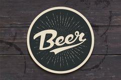 Kustfartyg för öl med den drog handen märka öl royaltyfri illustrationer