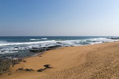 Kustlandschap in Umdloti-Strand in Durban Zuid-Afrika stock foto