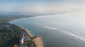 Kustlijn Bali in de ochtend royalty-vrije stock afbeelding