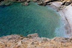 Kustlijn dichtbij Limeni-dorp, de Peloponnesus, Griekenland stock fotografie