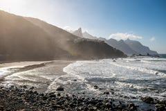 Kustlijn dichtbij Tagana-dorp op het eiland van Tenerife royalty-vrije stock afbeelding