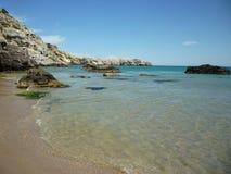 Kustlijn en strand Rhodos, Griekenland, Griekse Eilanden Stock Foto's