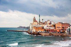 Kustlijn van de zomertoevlucht Sitges, Spanje Stock Foto's