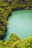 kustlijn van een groene overzeese van lagunechina kho van Thailand Royalty-vrije Stock Foto's