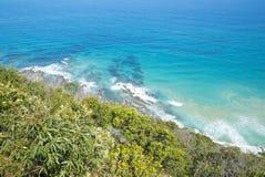 Kustlijn van een rotsachtig strand langs de Grote Oceaanweg, Victoria Stock Afbeeldingen