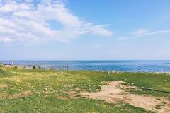 Kustlijn van het meer van Baikal stock foto