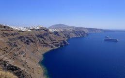 Kustlijn van Santorini-eiland Stock Fotografie