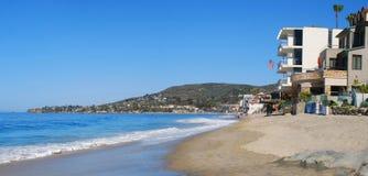 Kustlijnzuiden van het Belangrijkste Strand in Laguna Beach, Californië royalty-vrije stock foto