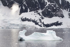 Kustlinje av Antarktis Arkivbilder
