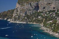Kustlinje av Capri nära Marina Piccola capri italy Royaltyfri Foto