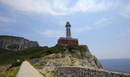 Kustlinje av den Capri ön, Capri, Italien Royaltyfri Foto