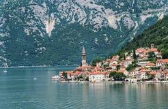 Kustlinje av Perast, Montenegro Royaltyfri Bild