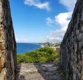 Kustlinje av San Juan, Puerto Rico och den forntida ensemblen för El Morro Arkivfoton