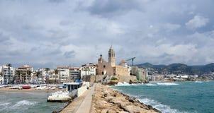 Kustlinje av Sitges, Spanien Fotografering för Bildbyråer