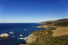 Kustlinje av stora Sur, Kalifornien med klippor Arkivbild