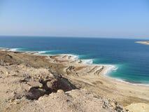 Kustlinje dött hav, Jordanien Arkivfoton