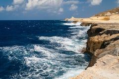 Kustlinje i Malta Arkivbilder