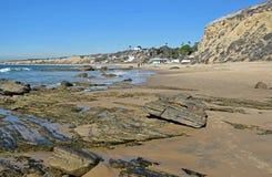 Kustlinje på Crystal Cove State Park, sydliga Kalifornien Royaltyfria Bilder