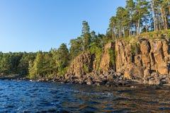 Kustlinjen av ön av Valaam Arkivbilder