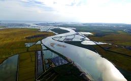 Kustmoerasland en bochtige rivieren Stock Fotografie