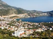 Kuststad på det mediteranean havet Kalkan Turkiet Arkivfoton
