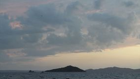 Kuststad van Turgutreis en spectaculaire sunsets stock videobeelden